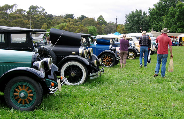 2005 Fete - old automobiles