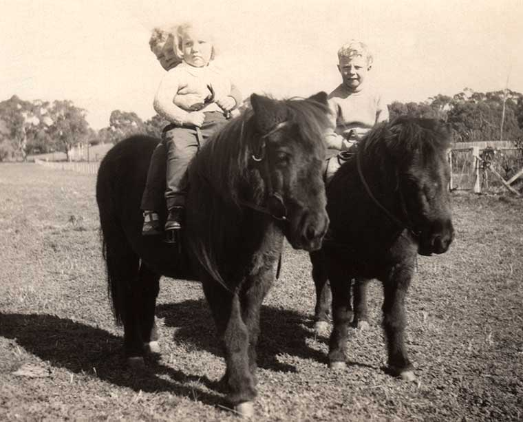 Graham, Kaye and Warren INGERSON on LePOIDEVIN ponies